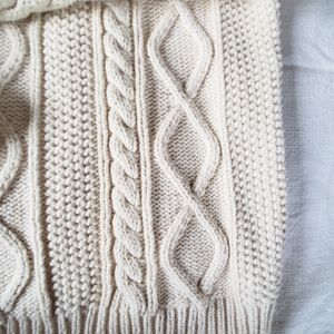 GAP Sweaters - GAP CREAM CABLE KNIT TURTLE NECK SWEATER